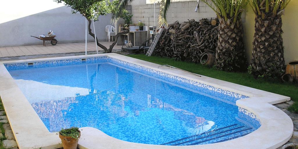 Foto-de-una-piscina-de-una-casa
